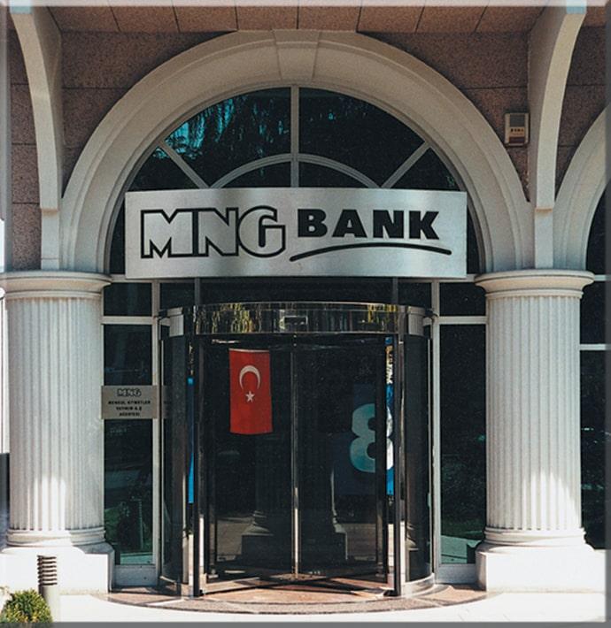 mng-holding-tv8-binasi-2